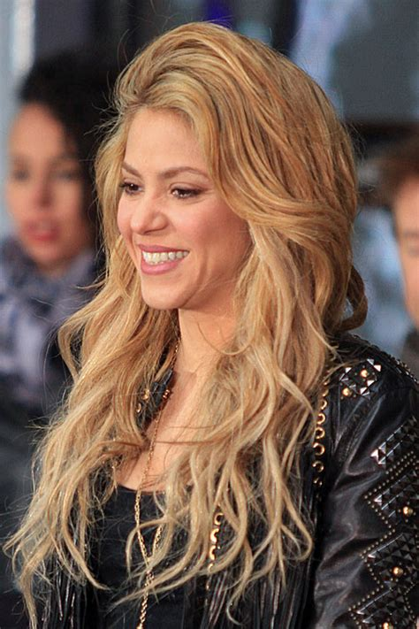 shakira hair color shakira s hairstyles hair colors style page 2