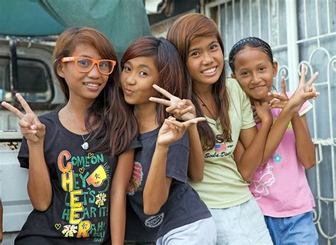 top  amazing pictures   philippines people