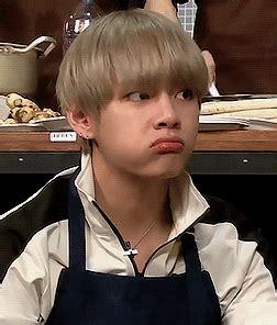 kim taehyung eating eat eat eat and eat kim taehyung pinterest bts bts