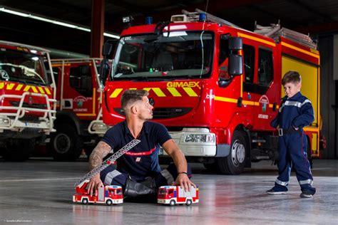 Calendrier Pompiers De Photos D 233 Couvrez Le Nouveau Calendrier Des Sapeurs