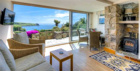 cornwall cottage holidays cornwall cottages by the sea with sea views