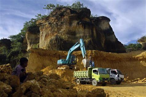 Galian Tanah Dengan Alat Berat warga kabupaten kudus tuntut izin pertambangan dicabut aktual terhangat terpercaya