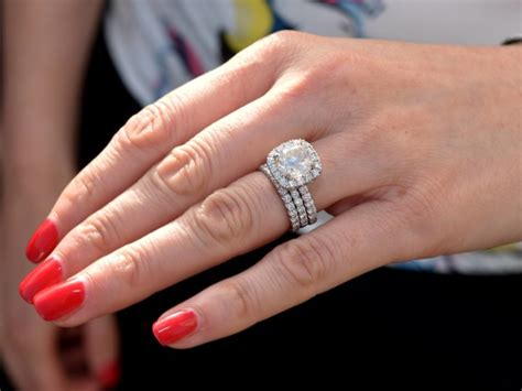 12 Tips On Choosing Engagement Ring by Fashion Tips When Choosing An Engagement Ring Naija News