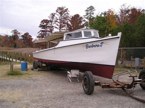 j boats wiki file deadrise workboat barbara j bow view on land jpg