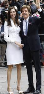 Married American Nancy Shevell Dating Mccartney Does Not Wear A Ring And Is Legally Separated From Husband by Nancy Shevell Wedding Dress By Stella Mccartney Was