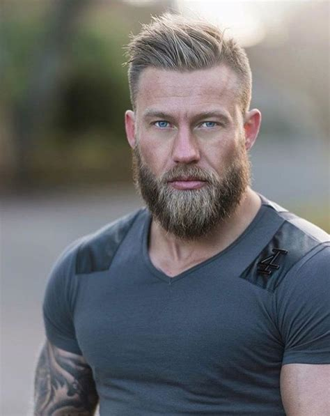 good hairstyles to go with a beard tatts muscles and beard men s hairstyles pinterest