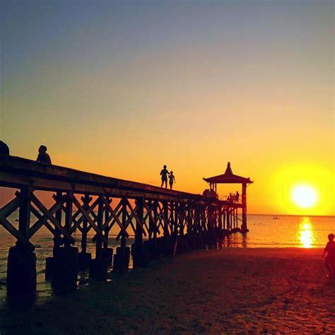 pesona keindahan alam pantai pasir putih kabupaten situbondo