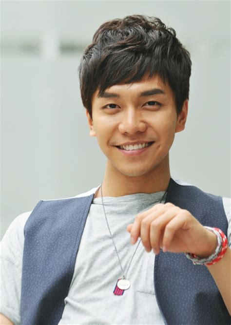 lee seung gi tv series lee seung gi speaks out about celebrity gossip in latest