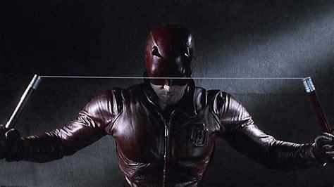 Does Ben Affleck Regret Being Part Of Jlos by Ben Affleck Regrets Daredevil Don T We All