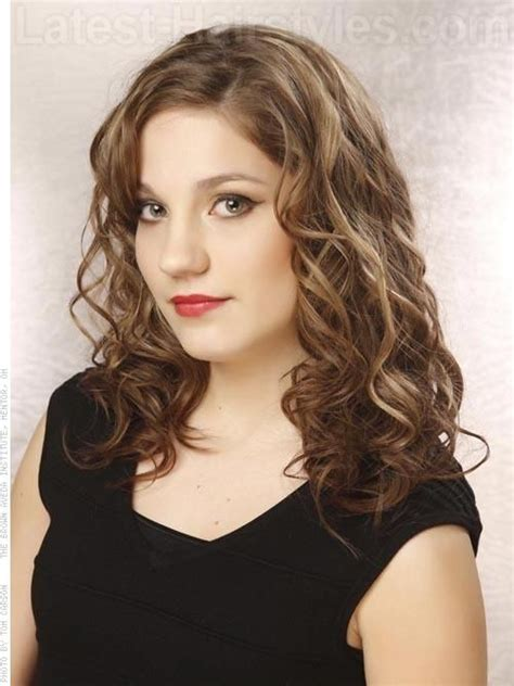 hairstyles with lighter colred top 240 best images about curls we covet on pinterest