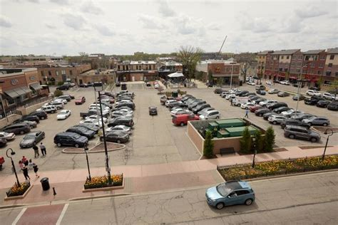 downtown naperville parking how naperville plans to improve downtown parking