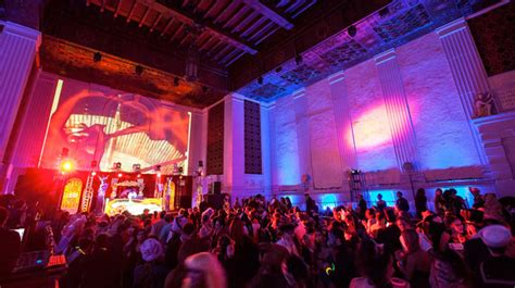 halloween themed events los angeles halloween in los angeles from parties to haunted houses