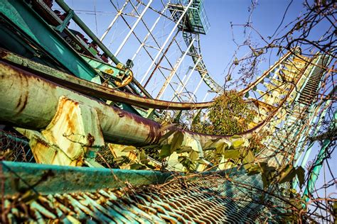 dreamland theme deserted places nara dreamland an abandoned theme park