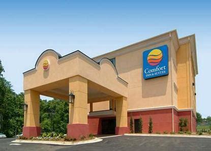 comfort inn clinton ms comfort inn suites clinton deals see hotel photos