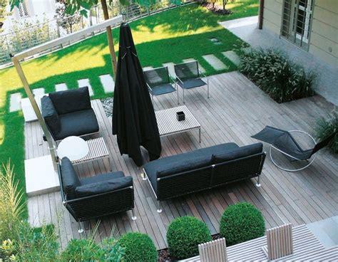 arredamento terrazze e giardini quali materiali per arredare giardini e terrazze