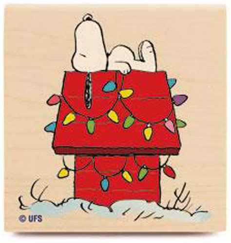 snoopy dog house picture new peanuts decorated dog house wood rubber st snoopy christmas lights red ebay