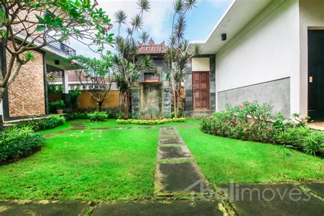 four bedrooms for rent four bedroom with two storey huge house in sanur sanur s