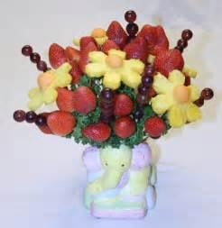 edible fruit centerpieces edible arrangements how to make an edible fruit arrangement