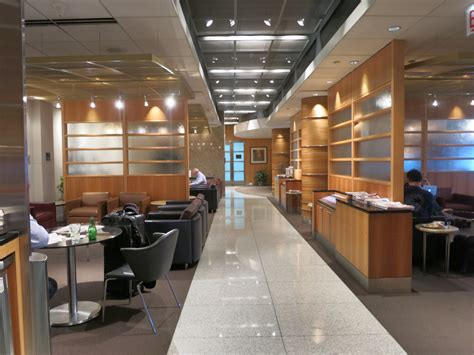 review american  class lounge chicago ohare