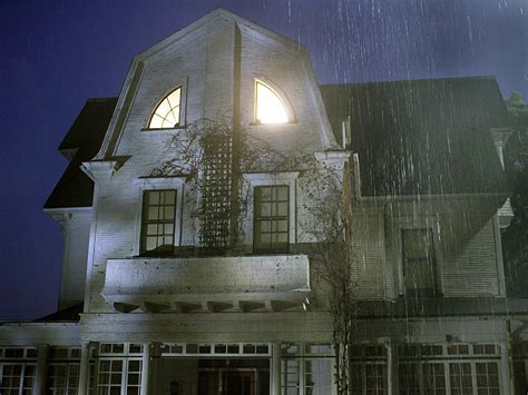The Amityville Horror House Put On The Market For 850 000 171 Wzmx Hot 93 7