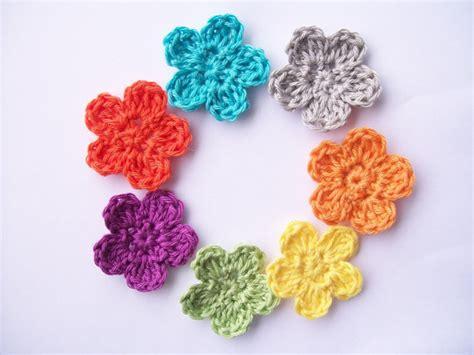 free crochet flower pattern uk flower girl cottage free crochet flower pattern the