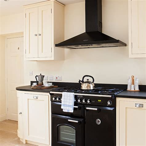 how to paint metal kitchen cabinets midcityeast mid range kitchen cabinets kitchen cabinets gloss matt