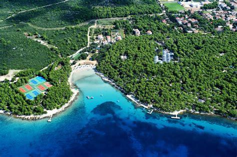 Pinset Bedah locatie pine pakostane dalmati 235 kroati 235