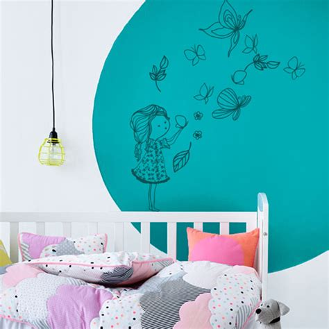stickers chambre enfant fille stickers muraux chambre enfant fille qui joue avec les