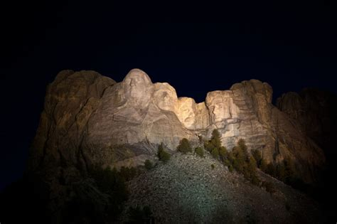 hidden room behind mount rushmore the hidden room behind mount rushmore rare pictures activly