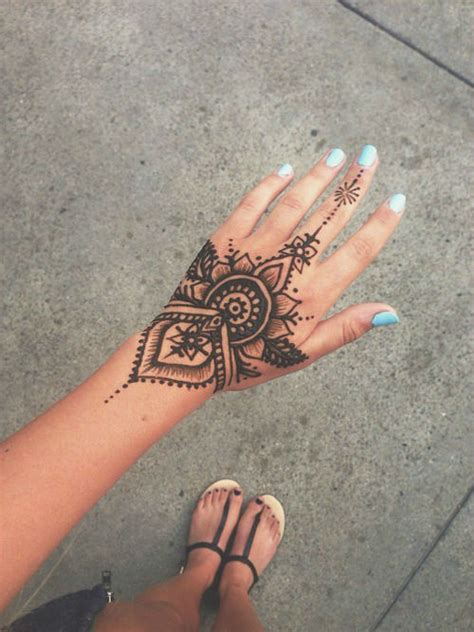 henna tattoo on hands 40 delicate henna tattoo designs
