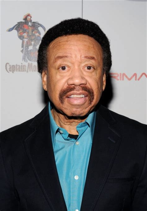 what singer died today 2016 stars react to maurice white dead see celebrity reaction
