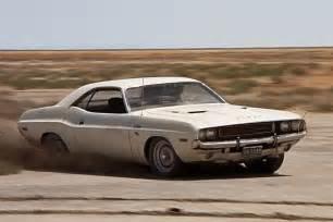 Point Dodge Vanishing Point 1970 Dodge Challenger Racing In Desert Car
