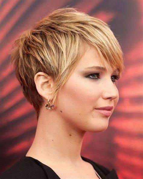 haircuts for thick hair and round face 21 cute short hairstyles for round faces feed inspiration