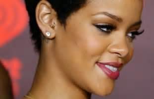 17 coupes courte femme afro coiffure coupes pour