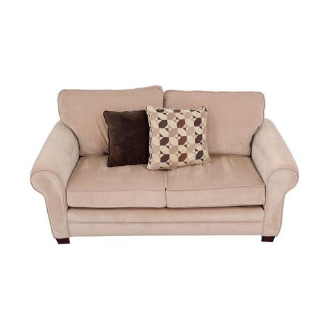 bobs furniture loveseat 41 off bob s furniture bob s furniture maggie ii beige