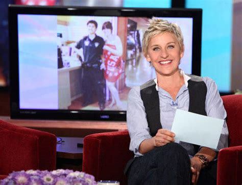 Ellen Degeneres Giveaway Car - ellen degeneres holiday giveaway celebrity buzz