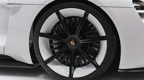 porsche mission e wheels porsche wants to sell 20 000 mission e sedans a year
