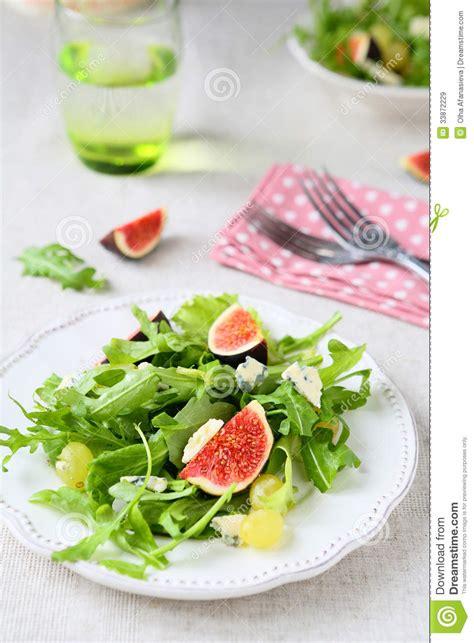 imagenes de uvas frescas salada fresca com queijo do brie salada de foguete e uvas