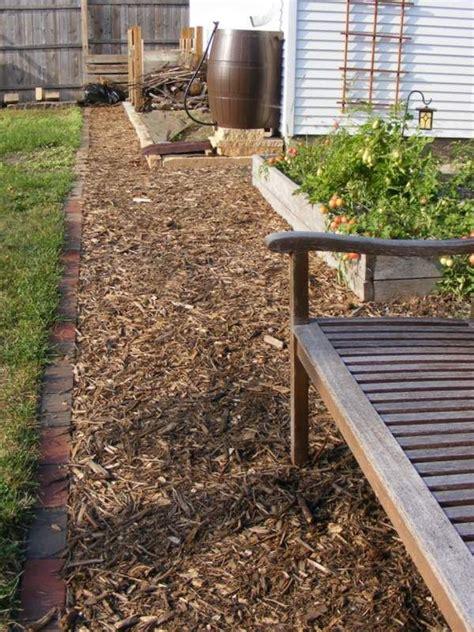 build  wood chip path   garden  spring
