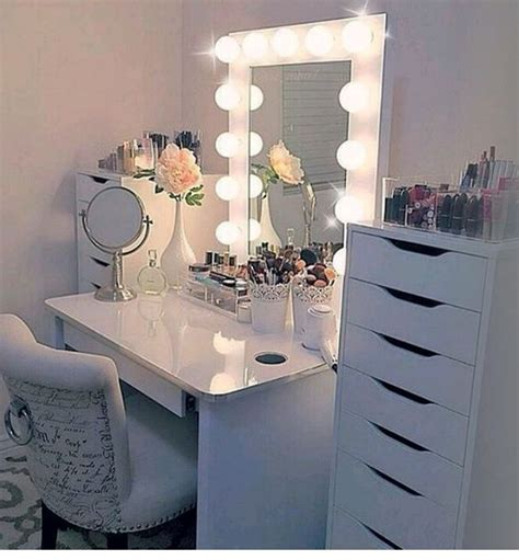 vanities for bedrooms with lights another vanity for teenage girls make them feel like a 20060 | 0a6e444a4f938e9f59ac2fa059a8ef59