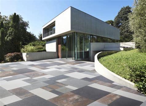 piastrelle cemento esterno piastrelle per esterno i materiali migliori pavimenti