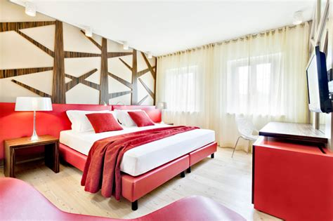 red and white bedroom ideas 20 bedroom color scheme ideas
