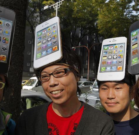 seit wann gibt es das iphone 4s kult smartphone der ansturm auf das neue iphone 4s ist