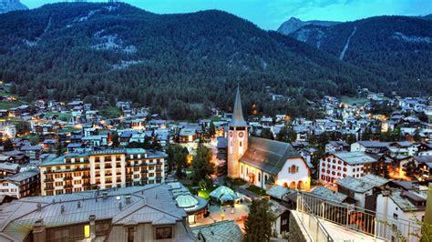 mecz serbia szwajcaria zermatt szwajcaria panorama miasta