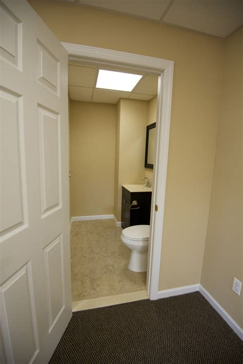 bathroom retail freeport ny office retail space 425 sq ft 850sq ft