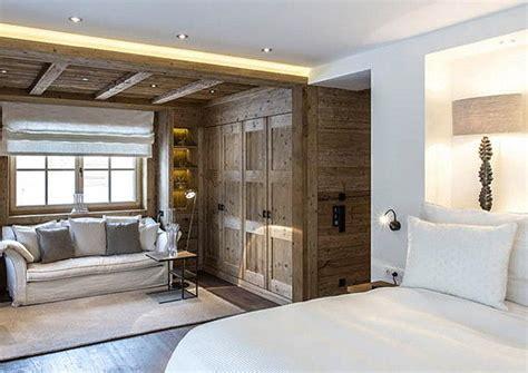 das hauptschlafzimmer luxusalm mit uraltkacheln a list