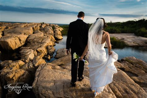Artistic Wedding Photography by Narraganset Club Wedding Artistic Boston Wedding