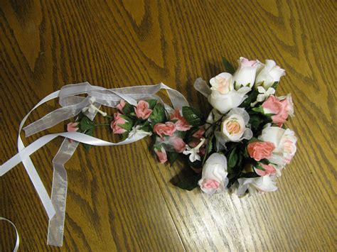 Wedding Bouquet Bows by How To Make Bows For Wedding Bouquets Ehow Uk