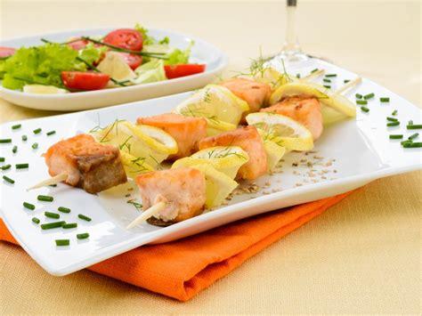 come cucinare spiedini di pesce ricetta spiedini di pesce
