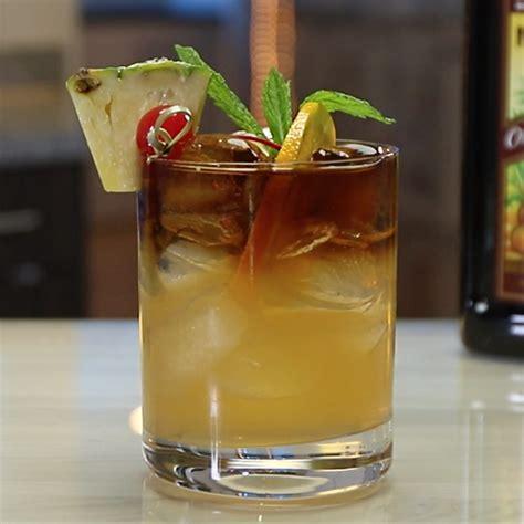 mai cocktail mai tipsy bartender